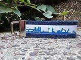 Schlüsselanhänger Schlüsselband Wollfilz dunkelblau Hamburg Skyline blau weiß!