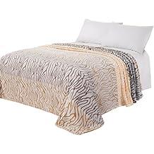 plaid zebre couvertures plaids et boutis linge de lit et oreillers cuisine. Black Bedroom Furniture Sets. Home Design Ideas