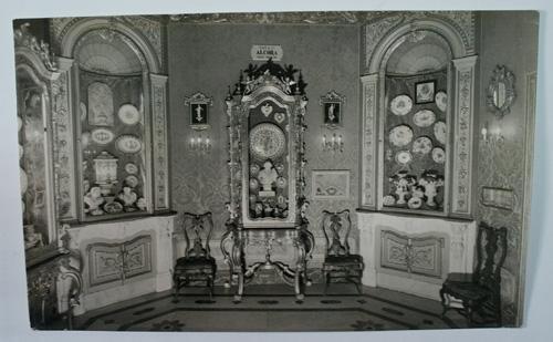 Antigua postal fotográfica. Old photo post card. 177 - VALENCIA - Museo Nacional de Cerámica Gonzalez Martí. Fondo de la sala de Alcora.