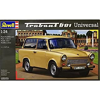 Revell 07070 Modellbausatz Auto 1:24 - Trabant 601 Universal im Maßstab 1:24, Level 4, originalgetreue Nachbildung mit vielen Details