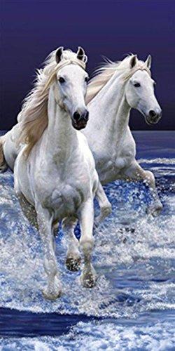 Badetuch Strandtuch Duschtuch 'Weiße Pferde am Strand' - 70 x 140 cm