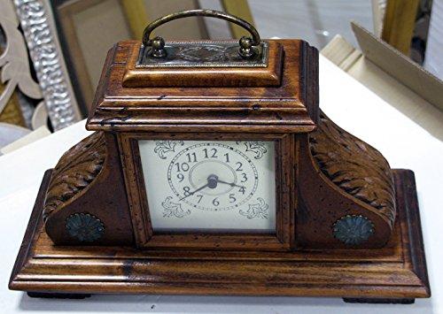 Horloge de table en bois vieux