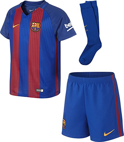 Brand new, official Barcelona Little Boys Home Mini Kit for the 2016 2017 La Liga season. This is the new FC Barcelona football kit which is available to buy online in a full range of kids sizes for ages 3-8 years. This soccer jersey is manufactured ...