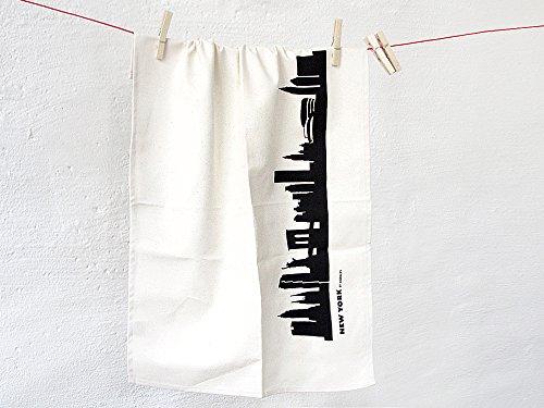 Urbane Gefühle in der Küche mit dem Geschirrtuch Tea Towel NEW YORK aus Biobaumwolle in schwarz Die Geschirrtücher mit den grafischen Drucken von Stadt-Silhouetten auf BIO Baumwolle sind ein moderner und origineller Blickfang in der Küche. Bei der Be...