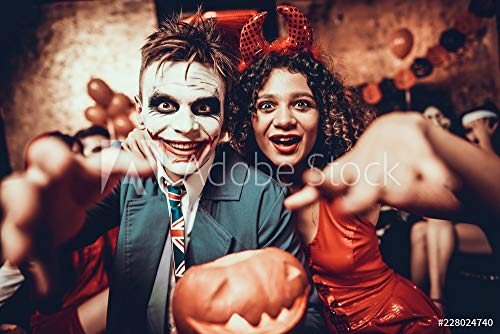 druck-shop24 Wunschmotiv: Portrait of Young Couple in Halloween Costumes #228024740 - Bild als Foto-Poster - 3:2-60 x 40 cm / 40 x 60 cm (Costume Stock-fotos Halloween)