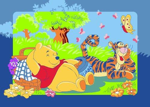 Associated Weavers W43 Disney Winnie The Pooh Winnie's Picnic Teppich 95 x 133 cm -