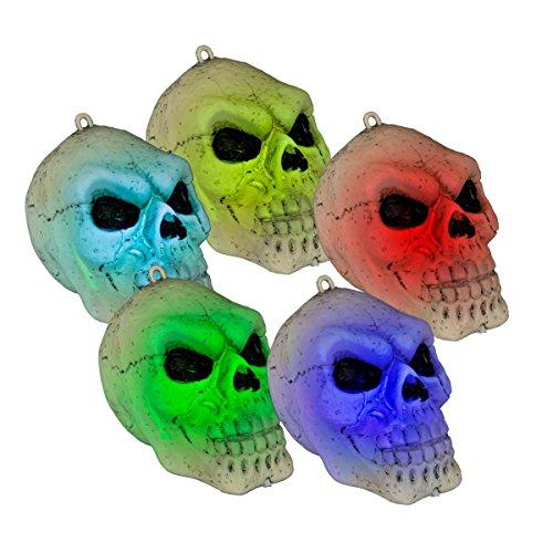 Dekolicht Totenkopf, natur-schwarz, Kunststoff, mit Farbwechsel, batteriebetrieben mit 3 x AG 13-Batterien (inkl.), Maße (HxBxT): ca. 10 x 11 x 8 cm, aufhängbar. Halloween-Beleuchtung. Für ()