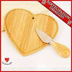 Idea Regalo - Cuorematto - Tagliere in legno a forma di cuore completo di coltellino per formaggi, bomboniere utili matrimonio, articoli da cucina, con scatola regalo in bambù inclusa (con confezione bianca)