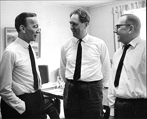 vintage-photo-of-governor-valter-aman-center-speaks-with-the-danish-pilots-negotiators-ervin-madsen-
