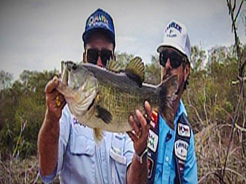 hunting-huge-bass-at-lake-la-salto-with-bass-master-classic-champion-ken-cook