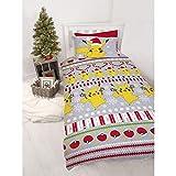 Character World Pokemon Bettbezug, Mehrfarbig, 200 x 135 cm, Weihnachtsmotiv, wendbar, für Einzelbett, US Twin & Bonus XWI Sport Handtuch (rot)