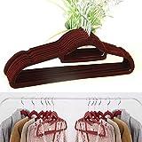 AllRight 50 Stück Kleiderbügel Samt Garderobenbügel mit Rutschfester Oberfläche Anzugbügel Kunststoff mit 2 Einkerbungen Samtbügeln Jackenbügel Rockbügel Weinrot
