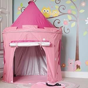 Tente pop up rose de Princesse- utilisable à l'intérieur ou à l'extèrieur grâce à sa protection anti-UV. Sac avec poignée; seulement 4 mâts à monter. Dimensions: 102cm x 135cm. La tente assortie en bleu est disponible. 102cm x 135cm