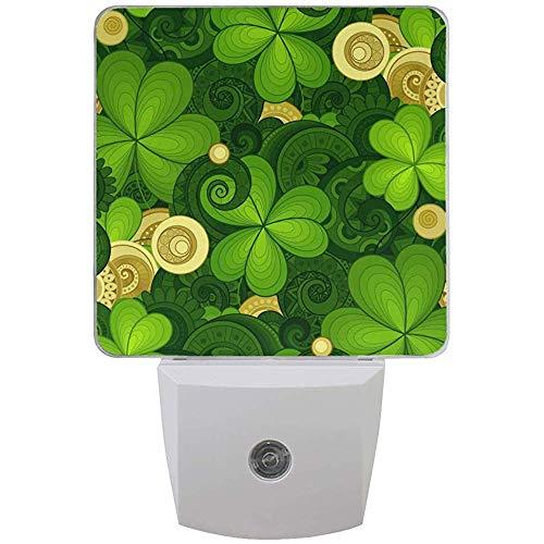 Happy Patrick 's Day Green Shamrock Gold Night Light plug in per camera da letto Bagno Cucina Corridoio, Spring Elf Hat Nightlights Auto Senor Dusk to Dawn for Kids Decorazione per int