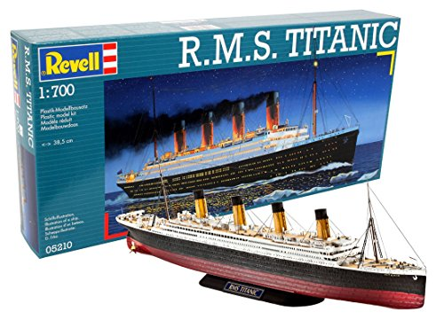 Revell Modellbausatz Schiff 1:700 - R.M.S. Titanic im Maßstab 1:700, Level 4, originalgetreue Nachbildung mit vielen Details, Kreuzfahrtschiff, 05210