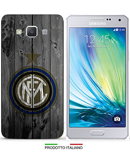 Cover Calcio Inter disponibile per iPhone 4-4S-5-5S-5C-6-6 Plus-3G-3GS; Samsung Galaxy S2-S2 Plus-S3-S3 Neo-S3Mini-S4-S4Mini-S5-S5Mini-S6-S6 Edge;Samsung Galaxy Note 2-Note 3-Note 4;Samsung Galaxy A3-A5-A7-E5-E7;Samsung S i9000-Grand 2 G7106-G7105-G7102-G7100-Grand i9082-Core Plus-Core 2 G355-Galaxy S Duos S7562-S7582-Samsung Galaxy J5-Samsung Galaxy Core Prime;Nokia Lumia 920; Huawey Ascend P6;LG G3; PER SPECIFICARE IL MODELLO DESIDERATO INVIARE UN MESSAGGIO AL VENDITORE.