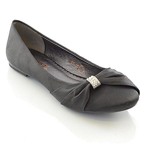 ESSEX GLAM Damen Brautschuhe Flach Satin Pumps Mit Brosche Hochzeit Schuhe (UK 4 / EU 37 / US 6, Schwarz Satin) (Ballerinas Schwarze Satin)