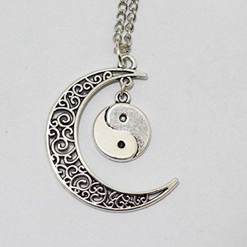 ciondolo-luna-e-yin-yang-collana-crescent-moon-yin-yang-collana-collana-yin-yang-luna-gioielli-colla