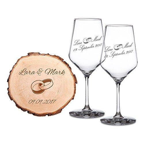 Casa Vivente Geschenkset zur Hochzeit – 2 Weißwein-Gläser und Baumscheibe mit Gravur – Personalisiert mit [Namen] und [Datum] – Motiv Ringe – Präsent zur Hochzeit – Geschenk für Paare