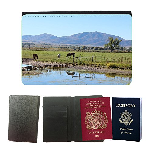 Muster PU Passdecke Inhaber // M00134358 Horse Ranch Rural Farm Animal Brown // Universal passport leather cover (Ranch Brown)