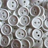 Knopfparadies - 30er Set kleine schlichte Zweiloch Blusen, Hemden oder Puppen Knöpfe / matt weiß / Kunststoff / Ø ca. 12mm