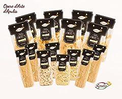 Idea Regalo - Pasta Apulia Confezione da 8 Kg di Pasta di Semola di Grano Duro Trafilata al Bronzo. La Confezione Contiene 8 tipologie di Pasta: Linguine, Orecchiette, Cavatelli, Spaghetti, Paccheri, Calamarata, Paccheri Rigati e Pennoni. 16 Pacchi di Pasta da 500gr c.d.u., 8 tipologie di pasta, 1 Kg per ogni tipologia.