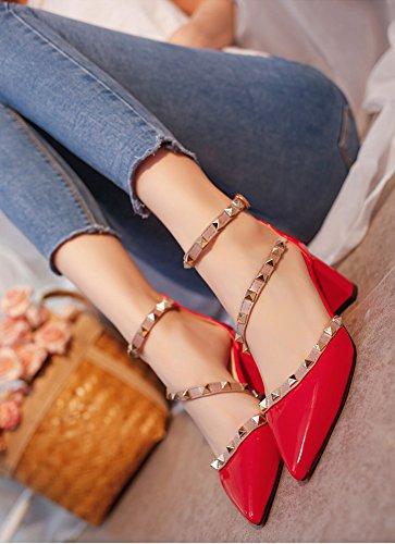 Minetom Tacchi Alti Rotazione Rivetti Sandali Comodi Mary Jane Donna Buckle Rough Tacco Basso Primavera Estate Sexy Scarpe Punta Pompa Rosso