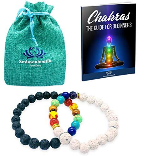 Smimouboutik Pulsera Chakra [2 PCS] Gratis: Bolso de joyería y Libro Chakras - Ajustable con Cuentas de Lava Blancas & Negras y ónix de 8 mm - Ideal para meditación, Yoga, aromaterapia y Reiki