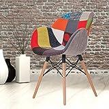 Beschreibung: Schöner Stuhl mit Armlehnen und schickem Patchwork-Stoffbezug. Die Holzbeine verleihen dem modischen Stuhl eine elegante Note. Sie sind seitlich abgespreizt, um dem Stuhl einen stabilen Stand zu geben. Der weiche Schaumstoff mac...