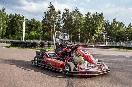 Jochen Schweizer Geschenkgutschein: Kartfahren in Meppen