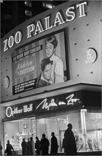 Posterlounge Acrylglasbild 40 x 60 cm: Kino Zoo Palast, Berlin von Klaus Morgenstern/ddrbildarchiv.de - Wandbild, Acryl Glasbild, Druck auf Acryl Glas Bild