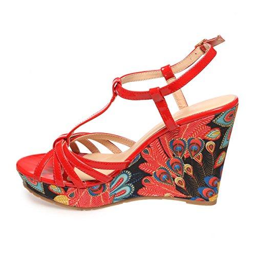 La Modeuse - Sandales compensées en simili cuir vernis Rouge