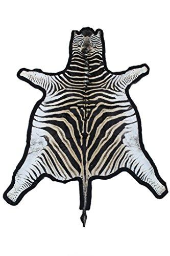 Zerimar Alfombra piel de cebra africana de la raza burchell procedente de sudafrica Medidas: 240x200 cms 100% Natural Ideal para la decoración