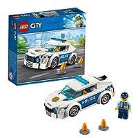 60239 LEGO City Police Patrol Car Avviare il motore della pattuglia macchina della polizia e proteggere la città! Ehi, sembra che la polizia ha bisogno di aiuto traffico controllo. Metti giù i piloni e un eroe di tutti i giorni della polizia Lego Cit...