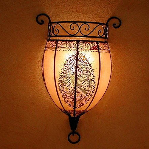 Orientalische Wandlampe marokkanische Wandleuchte Nakous Weiss | Schöne Henna-Lampe Größe H 44 x B 29 x T 14 cm | Gestell aus Eisen + Lampenschirm aus Leder | Kunsthandwerk aus Marrakesch | L1087