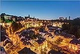 Poster 150 x 100 cm: Luxemburg bei Nacht von Michael Valjak