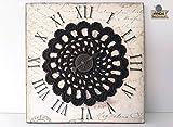 "Wall Art: Mandala creativo, lámina decorativa sobre corcho con mandala marrón y detalle de reloj color bronce.""Tempus fugit""."