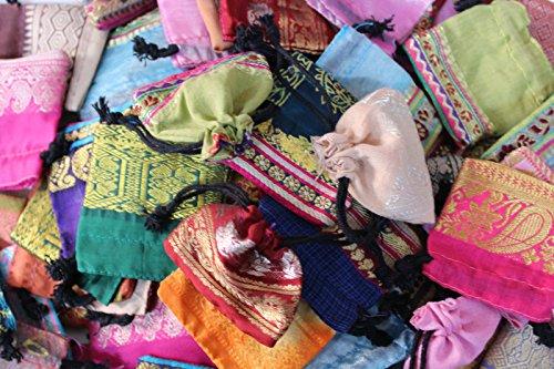 100 Schmuckbeutel 6 x 6 cm Beutel Säckchen Stoff Geschenkbeutel Verpackung Farbige Schmuckbeutel Geschenk Verpacken - Sari Stoff / Indien (6x6 cm)