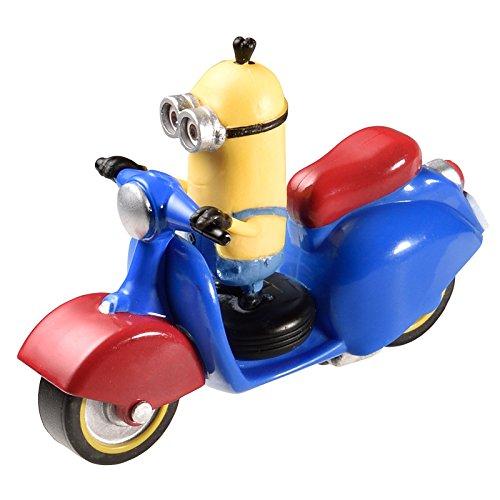 Preisvergleich Produktbild Minions / Ich - Einfach unverbesserlich: Kevin auf Motorroller Modellfahrzeug