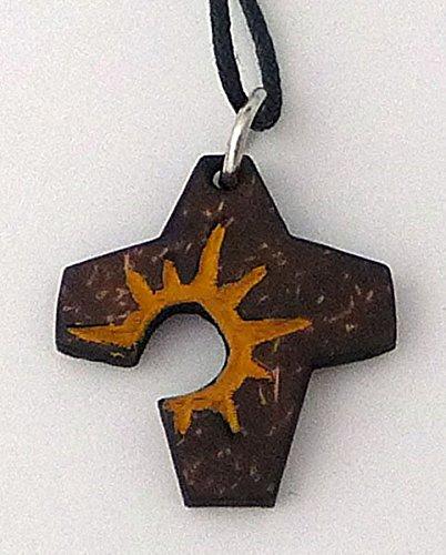 Anhänger 'Oster-Kreuz',a.Kokosschale,mit Band,ca.3x2,5cm