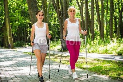 druck-shop24 Wunschmotiv: Nordic walking - active people working out in park #82997709 - Bild als Foto-Poster - 3:2-60 x 40 cm/40 x 60 cm