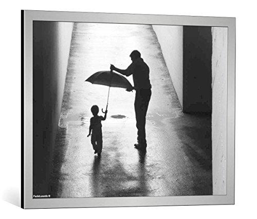 cuadro-con-marco-paolo-luxardo-bimba-con-ombrello-e-papa-impresion-artistica-decorativa-con-marco-de