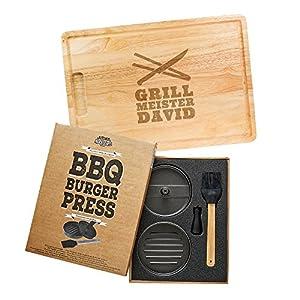 Kitchen Rockstars 2er Grillset - Burgerpresse mit Beschichtung - Schneidebrett mit Gravur - Personalisiert mit [Namen] - Grillmeister und Grillbesteck - Geschenke für Männer - Vatertagsgeschenke