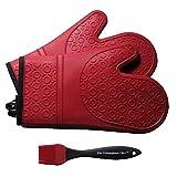 El guante de silicona Triumphant Chef Super Flexible, Deluxe acolchado, 1 par, rojo oscuro, cepillo de cocina gratis