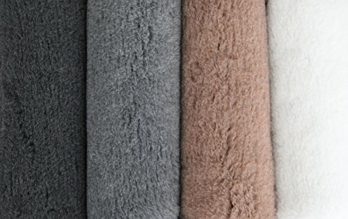 thickest-superior-vetfleece-ideal-for-dog-bedding-or-whelping-young-puppys-1500-gsm-60cm-x-45cm-brow