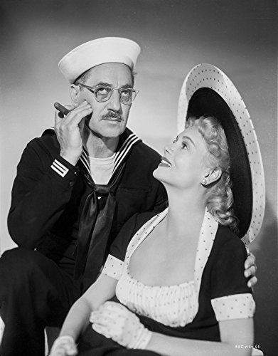 The Poster Corp Groucho Marx in a Sailor hat with a Woman Photo Print (60,96 x 76,20 ()
