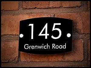 TetheredEnd B02 Plaque de maison personnalisable en acrylique Nom et numéro de rue Noir