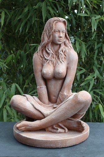 Dekofigur Sexy Lady in Terrakotta - erotische Frauenfigur als Deko - schöne nackte Frauen Statue als Wohndeko