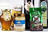 Plethora.shop Delikatessen Geschenkkorb - griechische Feinschmecker Geschenkbox I Rotwein trocken, extra natives Olivenöl kaltgepresst, Blüten- Thymianhonig, Tahini Sesampaste, Mokka, Plattenbohnen