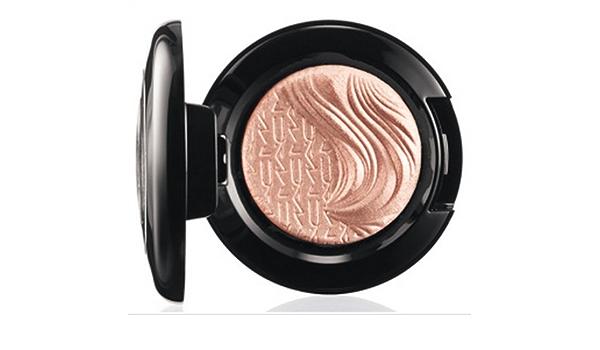 Mac Extra Dimension Eye Shadow A Natural Flirt Glamour Daze Collection By M A C Amazon De Beauty